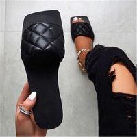 Mulheres Sandálias Estilo Sapatos de Verão para Mulheres Sandálias Plana Sapatas de Borracha 2020 Slides de Couro Plus Size Soulier Femme # CM54