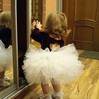 Симпатичные лук детские девочки TUTU юбка рюшами bloomer бальное платье роза красная пуховая петтискирта ребенка 6 тюль слой детей одежда