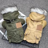 Pet Kediler ve Köpekler Kış Sıcak Aşağı Ceket Ceket Orta Ve Küçük Köpek Chihuahua Aşağı Ceket Işık Hoodie Parti Sıcak Giyim HH9-3665