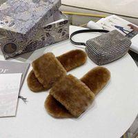 2020 Pantofole di lana di alta qualità Hot Pantofole di lana Mules Autunno Inverno Interno Calda Pantofole calde confortevole Pantofole in pelliccia nera soft con scatola taglia 35-42