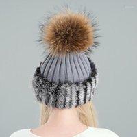 Cappelli invernali acrilici e capelli veri per le donne calda fodera in pile a maglia tappo di moda pelliccia di moda pompon spesse femmina di pelliccia di pelliccia1