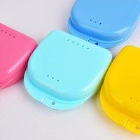 Mais novo Caixa de retenção ortodôntica colorida compacta / caixa para venda mouthguards bitesguards dentaduras protetor esporte ccd3511