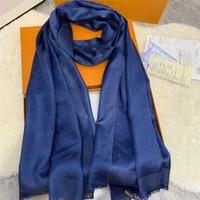 Высокий Qualtiy Silk Silk Scarf Женщины шарфы Мода Золотой Золотой Чэд Шаблон Печать Дизайнеры Шарф Женщины Тонкие Шали без коробки