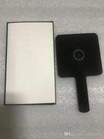حار بيع 2020 جديد الكلاسيكية مصغرة مرآة 3 لون ماكياج مرآة نوعية جيدة اليد مرآة أدوات مستحضرات التجميل مع هدية هدية هدية الزفاف (أنيتا لياو)