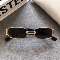 2020 Nuovo delicato WU Cooperazione GM Occhiali da sole Moda Donna Lega Telaio quadrato Occhiali da sole Classic Lady Unique Cool Eyewear GW002