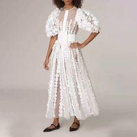 1130 2021 Robe de piste marquée Même style robe à manches longues Empire Mode Femme Robe White Mid-mollet AICAI