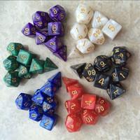 7pcs / Set Creative RPG Game Dice DD Coloré Multicolor Dice Mixed Blanc D4 D6 D8 D10 D12 D20 DND Jeu Dice SC133