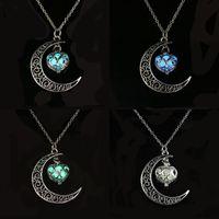 القمر الحب على شكل قلب المعلقات قلادة الخرافات خارج سلسلة التنازل الأزياء والمجوهرات النساء الرجال القلائد 3 2LX K2B