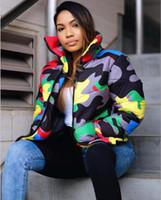 Chaqueta de invierno de impresión de camuflaje Mujeres 4xl más tamaño burbuja capa de gran tamaño chaqueta de globo para la parka de moda de invierno