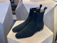 Invierno Designer Hombre Red Bottom So Roadie Flats Famosas Botas de tobillo Botas de gamuza negra Hombres Motocicletas Caballero Botas para caminar Zapatos Best Regalo