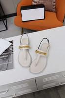 Женские сандалии Flats Designer создают высококачественные летние пляжные сандалии в повседневных сандалии доступны в различных цветах VFJLA