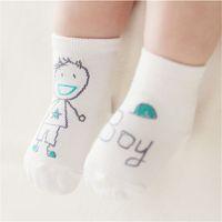 Hot 15 estilos bebé moda calcetines de algodón recién nacido bebé niños piso antideslizante calcetines niñas niños calcetines yybe3127