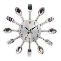 جديد الحديثة ساعة المطبخ الشظية السكاكين الساعات ملعقة شوكة الإبداعية ملصقات الحائط آلية تصميم ديكور المنزل horloge