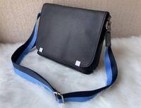 지구 PM 하이 엔드 새로운 도착 유명한 클래식 패션 남자 메신저 가방 크로스 바디 가방 학교 가방 어깨 가방 M148573