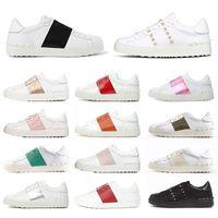 2021 جديد وصول الأصلي مصمم اللباس أحذية الرجال النساء برشام الشظية الأحمر الأسود الأخضر الوردي شريط الجلود المسامير عارضة حذاء حجم 35-46