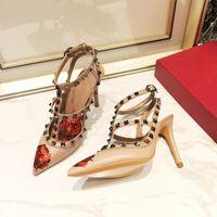 La impresión más reciente mate de cuero genuino de las mujeres de las mujeres de las sandalias de las sandalias de los tobillos dos hebillas de tobillo damas sexy remaches 9.5 cm tacones altos zapatos de vestir US4-11