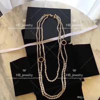 Marca de moda popular Marca de alta versión Collar de perlas Joyería de diseñador para mujeres Fiesta Boda Joyería de lujo para novia con caja.