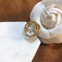 Brands Designs Anneaux Acier inoxydable Letter Luxe Luxe 18K Gold Plated Lovers Anneaux Femmes Bague Bijoux plaqués or