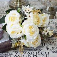 إكليل الزهور الزخرفية روز وهمية (9 ينبع / حفنة) الورود الطلاء النفط الاصطناعي مع ورقة الأوكالبتوس البلاستيكية لركب الزفاف