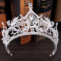 2021 Gouden prinses hoofddeksels chique bruids tiaras accessoires verbluffende kristallen parels bruiloft tiara's en kronen 12157