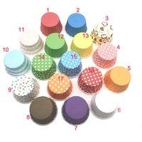 جديد الأزياء البيئة الملونة شريط نقطة كعكة ورقة الكؤوس 50 * 39 ملليمتر الخبز كأس بطانات العفن كعكة الديكور كب كيك 100pcs / lot WY-9855