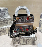 21 Diseñador de estilo Bolso Diamante Bordado Bolsas de lona de moda Bolsa de hombro diagonal de alta calidad WF2102041