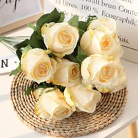 Bouquet artificiale del fiore di alta qualità del bouquet di bouquet delle rose, rose occidentali, fiori di seta, decorazione di nozze della casa europea