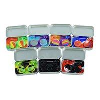 Kit de viaje: caja de lata de acero inoxidable se adapta a la jarra de silicona antiadherente de bolsillo 5 ml (2 unidades) + Mini DAB Herramienta (1) + alfombrilla de cera (1)