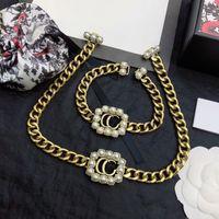 Lüks tasarımcı takı kadın kolye altın zincirleri ile yıldız elmas inci kolye kolye küpe ve bilezikler takım elbise moda takı