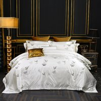 Nuovo ricamo di alta qualità di lusso Tencel Set di biancheria da letto Set Set King Queen Bianco Set Piumino Cover Duvet Copriletto Prato Farfalla Jacquard Flower T200706