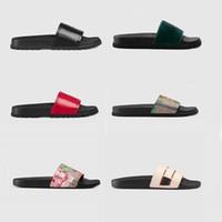 2021 Frau / Mann Sandalen Qualität stilvoll Slipper Mode Klassiker Sandalen Männer Frauen Slipper Flache Schuhe Slide EU: 35-45 mit Box Shoe02 08