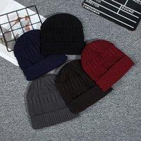 Unisex invierno cálido corchet de punto sombrero de punto de color sólido gorro de esquí al aire libre de lana suave sombreros para mujeres hombres de moda gorras de moda Skullcap