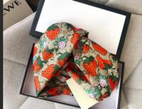 Diseñador de seda elástica mujer diademas de moda Moda de lujo niñas fresa bandas de pelo bufanda accesorios para el cabello regalos mejor mejor headwraps s914