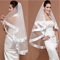 Élégant Vêtements de mariée de la tulle blanche d'ivoire pas cher