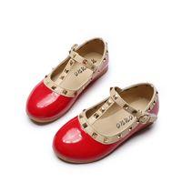 Bekamille Hot Princess Flat Children Rivets 단일 키즈 가죽 소녀 신발 샌들 C0119