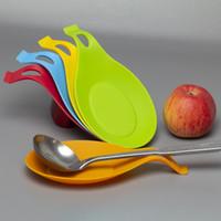 식품 학년 실리콘 스푼 매트 실리콘 열 저항성 플레이스 매트 트레이 스푼 패드 음료 유리 코스터 뜨거운 판매 주방 도구