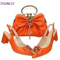 Retro Italienische Dame Schuhe und Tasche, um Orange Farbe nigerianischer Frauen Schuhe Matching Tasche angenehme Fersen Sandalen für Hochzeit LJ200924