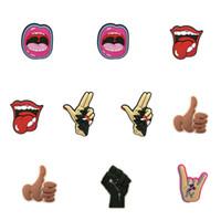 MOQ = 2ELTS Forme de la bouche Forme de la bouche Chaussures de charme en gros Jibitz pour Croc Soft Caoutchouc PVC Charms Accessoires Promotionnels