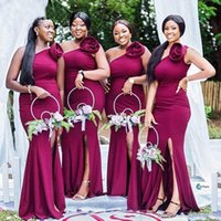 Elegante Africano Gilrs Negro One Hombro Sirena Vestidos De Dama De Dama Lado Split Flowers 3D Boda Vestido De Invitado Maid De Honor Vestidos Vestidos