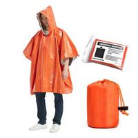 Alta qualità Monouso 124 * 101 cm Arancione d'argento d'argento Emergenza Isolamento termico Viaggio all'aperto Camping PE Raincoat per adulti universale