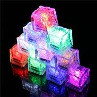 Cubo de hielo LED Luz parpadeante Sensor de líquido Multicible Multicible Iluminación de resplandor para beber Vino Boda de boda Decoración