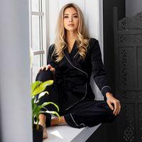Heechan Noir Pyjamas Femmes Two Piece Ensembles Robe à manches longues avec Sashes Patchwork Patchwork Pantalon Satiné Home Suit Femme Heightwear Casual Y0112