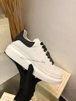 Top Quality Designer di Prestigio Scarpe da donna Donne da donna Scarpe in pelle bianca Piattaforma di pelle bianca Piattaforma piatta Casual Party Shoes Shoes Snace Sneakers sportive in pelle scamosciata