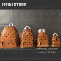 مصممون مصممون على ظهره 2021 حقائب اليد المحافظ الرجال والنساء حقيبة الأزياء برشام جلدية السفر حقيبة كمبيوتر محمول طالب حقيبة الظهر