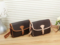2020 Stili Borsa Famous Nome Moda Borse in pelle Moda Donna Tote Borse a tracolla Borse Lady Leather Handbags M Borse Borse 665-1