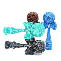 Горячие деревянные спортивные игрушки Kendama открытый игрушечный шарики два цвета трещины бука древесины дети взрослый спортивный мяч здоровый наружный упражнение Y200428