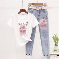 2020 Neue Mode Womens Zwei Stück Sets Pin Perle Buchstabe T-Shirt + Zweiteiliger Luxusanzug Riss Neun Point Jeans Frauen Zwei Stück Set