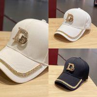 2020 Nueva letra de metal M para las mujeres gorra de béisbol de malla transpirable ajustable al aire libre bordado de diamantes de imitación D Marcos sombreros verano Sunhat J1210