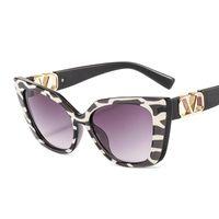 2021 Moda Kedi Göz Güneş Kadın Erkek Leopar İnek Renk Trend PC Lens Metal PC Çerçevesi V LOGO Kalite Lüks Plaj Güneş Gözlükleri