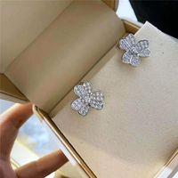 Stud Lucky Clover Earrings Women Shine Cubic Zirconia Flower Korean Catwalk Jewelry Z151